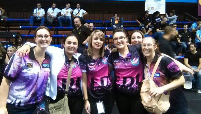 Treinta hellineros participan en el Campeonatos de España de Dardos