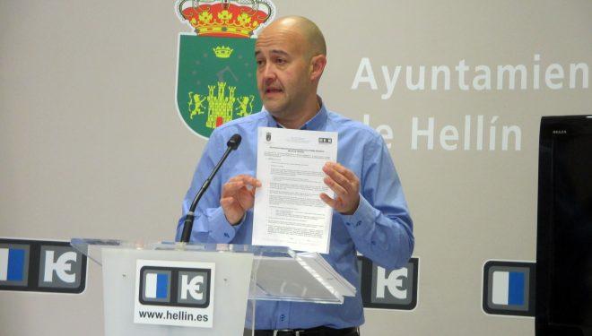 El concejal de Deportes, Francisco López, acusa a Antonio Moreno de mentir