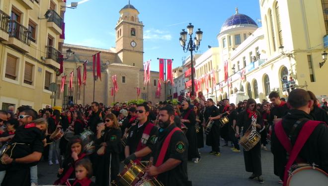 Tamborada en Hellín para celebrar el nombramiento de Patrimonio Inmaterial de la Humanidad