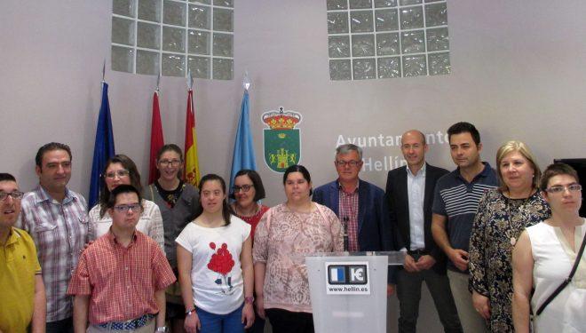 Firmado un convenio de colaboración entre el Ayuntamiento, la Gerencia de Atención Primaria del Hospital de Hellín y Asprona
