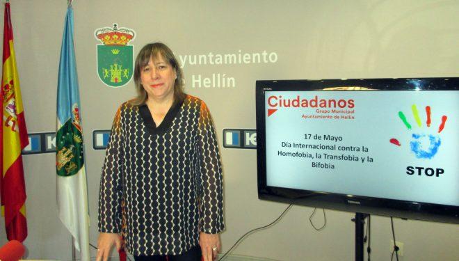 Mª Jesús López pide que se acaben los prejuicios contra la diversidad afectiva sexual