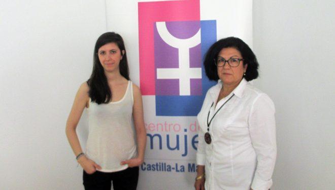 La periodista Ana Requena lleva a cabo un taller sobre el tratamiento de la información sobre la violencia de género