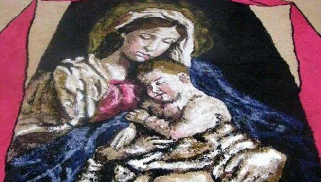 La imagen de la Virgen del Rocio en las alfombras del próximo sábado