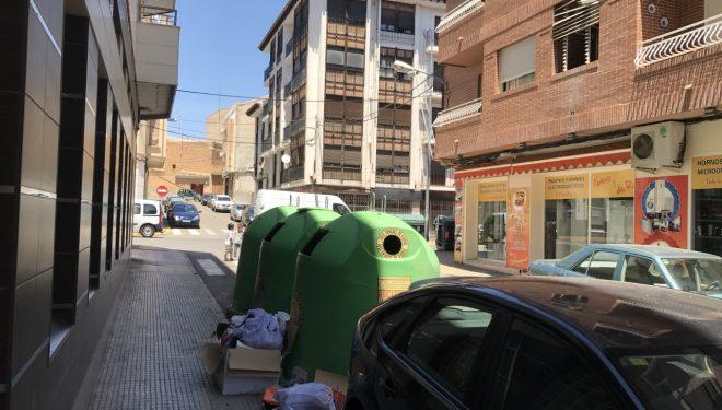 Problemas en la calle Tabera y Araoz con los contenedores de la limpieza vial