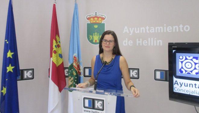 Beatriz Jiménez recuerda  la posibilidad de trabajar en las Escuelas Infantiles del Ayuntamiento