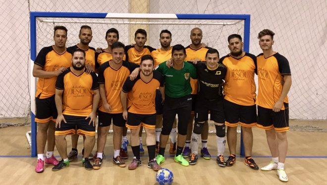 Un equipo de jugadores hellineros gana el trofeo 24 Horas de futbol sala de Tobarra