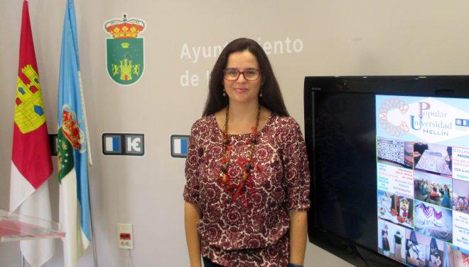 Beatriz Jiménez presentaba los talleres de la Universidad Popular para el próximo curso