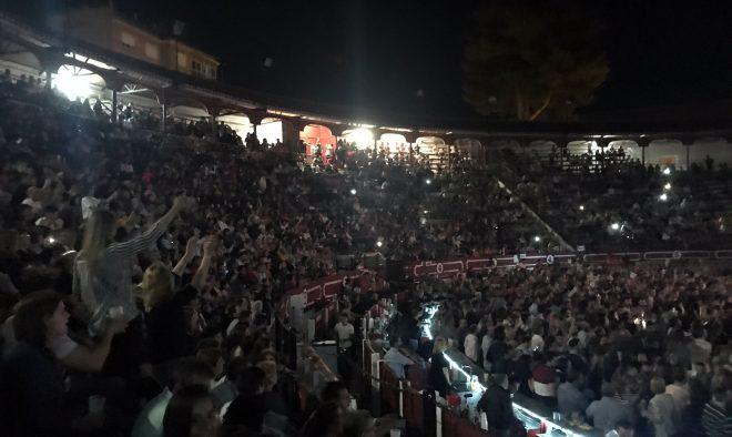 Mucho público en gradas del concierto de Demarco / EFDH.