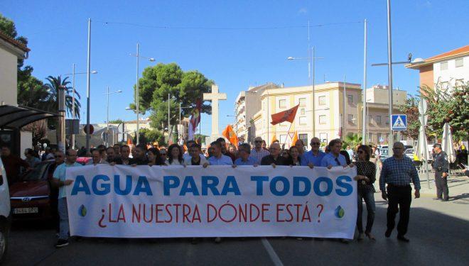 Manifestación en Hellín para pedir los derechos del agua