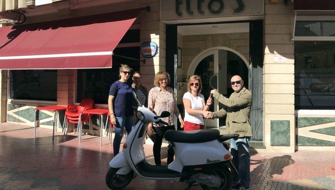 "El Club ""La Oveja Negra"" entrega la motocicleta rifada en beneficio de AFA"