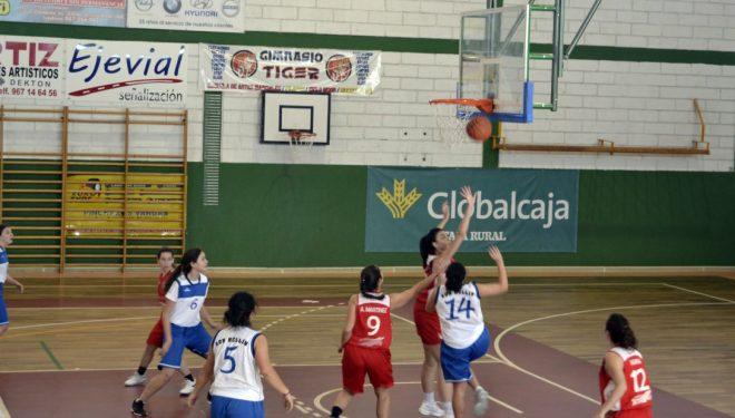 Severa derrota al ADB junior femenino con muchas ausencias en la cancha del Villarrobledo