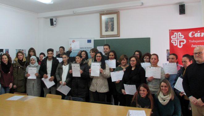 Entrega de diplomas en Cáritas de los cursos de Formación Laboral