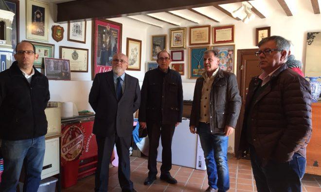 Visita realizada por el delegado de la Junta, Pedro A. Ruiz Santos, al templo