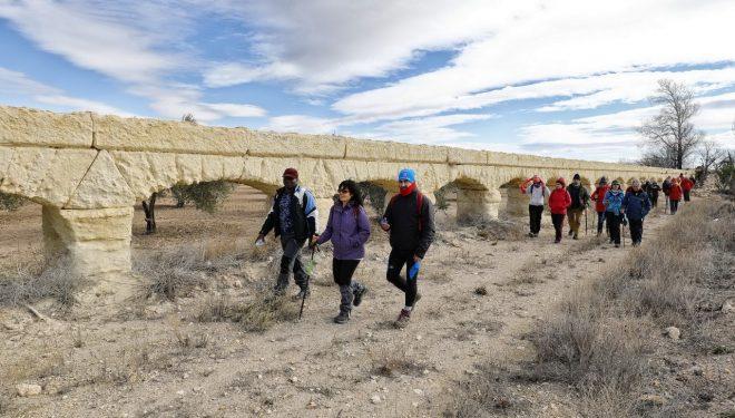 Aire y sol en Ontur en la IV Ruta Senderista de la Diputación Provincial