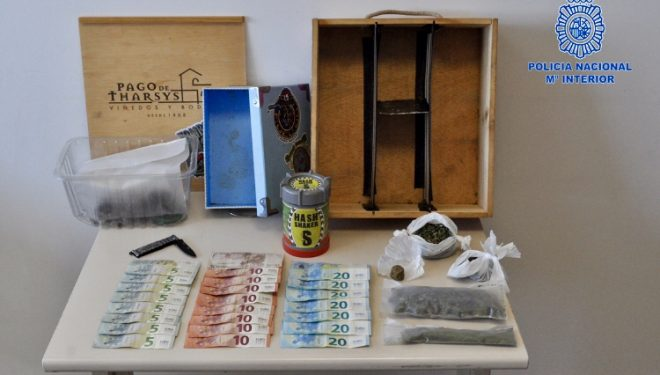 Tres detenidos como presuntos autores de un delito de tráfico de drogas