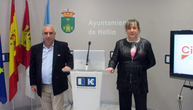 María Jesús López cree que el equipo de gobierno municipal está vulnerando sus derechos