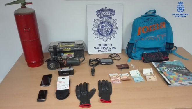 Tres detenidos en Hellín por robo