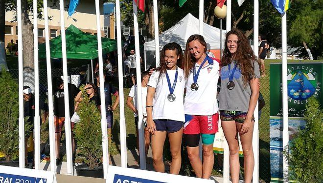 Nerea Ibáñez medalla de bronce en los campeonatos de España de Natación