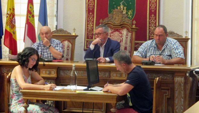 El Pleno aprueba por unanimidad la moción de Ciudadanos para que se respeten las paradas de los trenes en Hellín