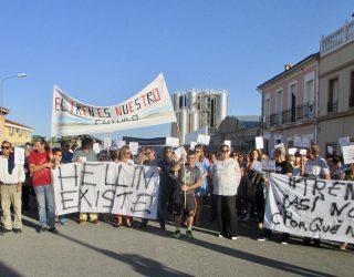 Segunda concentración para protestar por la falta de paradas del nuevo tren híbrido Madrid-Cartagena