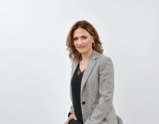 Charo López elegida pregonera de la Semana Santa de Hellín 2019