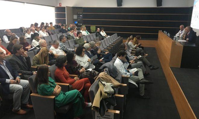 Público asistente a la Jornada de Atención Integrada del SESCAM en el Hospital Comarcal de Hellín
