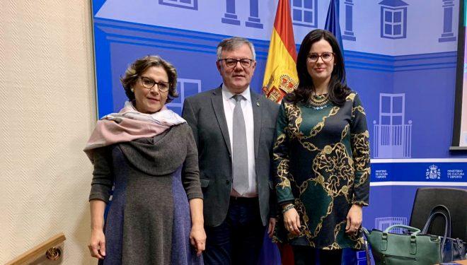 Entrega del premio al Ayuntamiento de Hellín del concurso Buenas Practicas Municipales