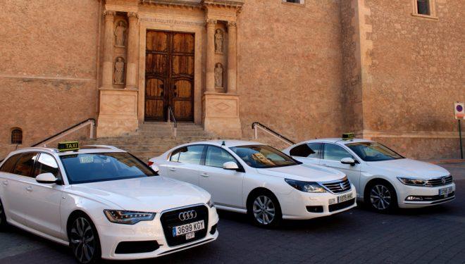 IU pide que se adapte las ordenanzas reguladoras sobre el servicio de taxis