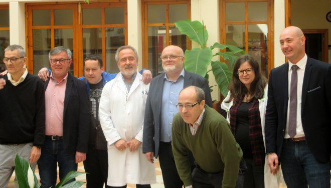 Ramón Lara y Pedro A. Ruiz Santos visitan la Residencia de los Hermanos de Cruz Blanca