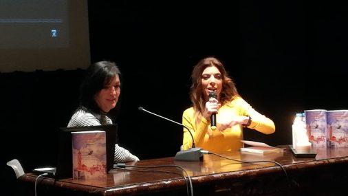 """Sol Sánchez presentó su nuevo libro  """"Recuerdos al arrullo del invierno en Hellín"""""""