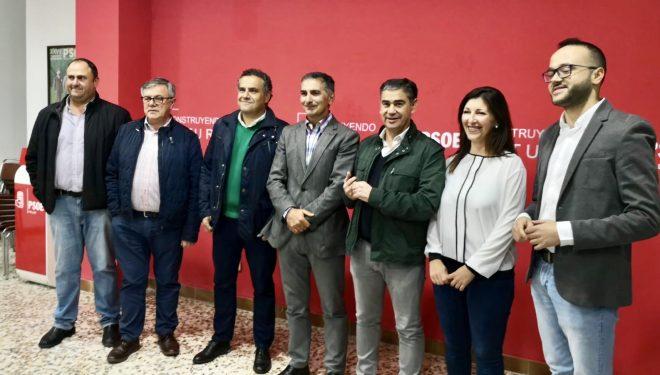 El PSOE cierra la precampaña con un encuentro con las asociaciones de agricultores y regantes