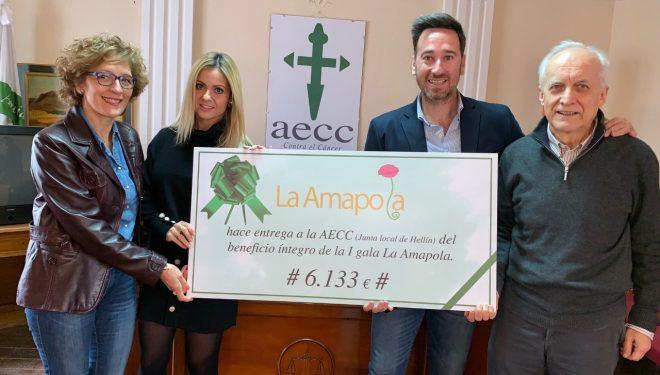 Amapola entrega 6.133 euros a la Asociación Española Contra el Cáncer