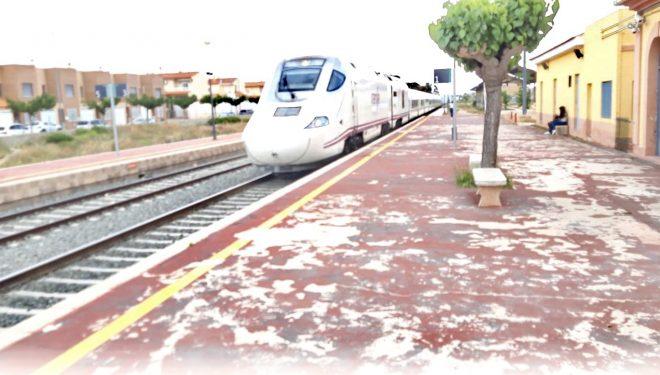 El segundo tren híbrido Alvia S-730 parará en la estación  de Hellín a partir de mañana lunes