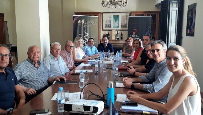 Reunión de los alcaldes del Consejo Regulador de la D.O. Jumilla