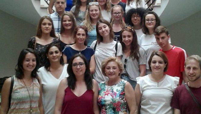 14 jóvenes hellineros compartirán actividades con estudiantes checos