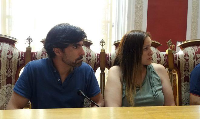 Mario Artesero. Ciudadanos y Raquel Tomás. VOX / EFDH.