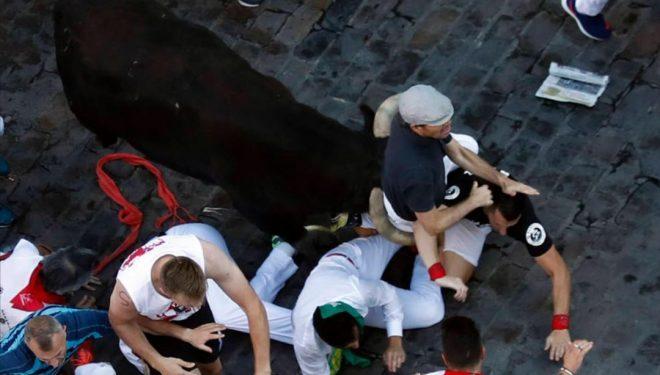 David Úbeda, el veterano corredor hellinero de los encierros de San Fermín, trasladado al hospital