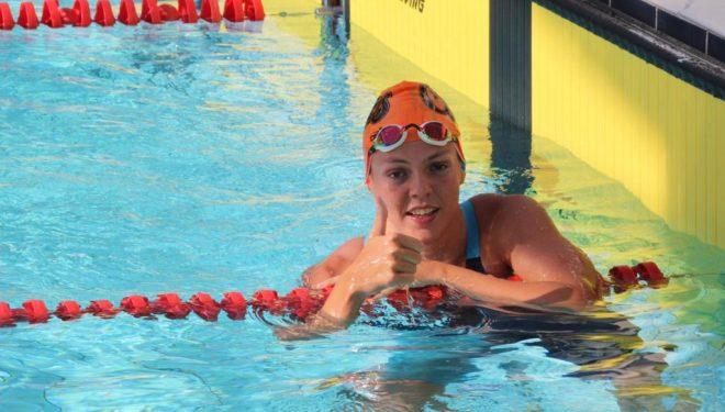 Nerea Ibáñez, medalla de bronce en el Campeonato de España de Natación celebrados en Tarrasa