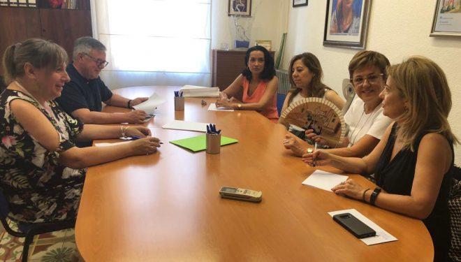 """El Ayuntamiento trabajará con AMEDHE en el proyecto """"Hellineras Emprenden"""""""