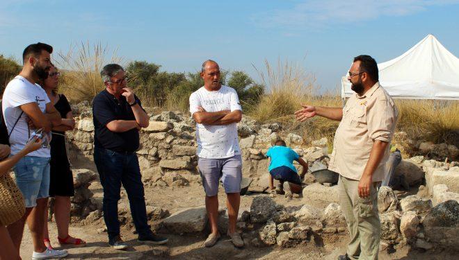 Ramón García visita las nuevas excavaciones del Tolmo de Minateda