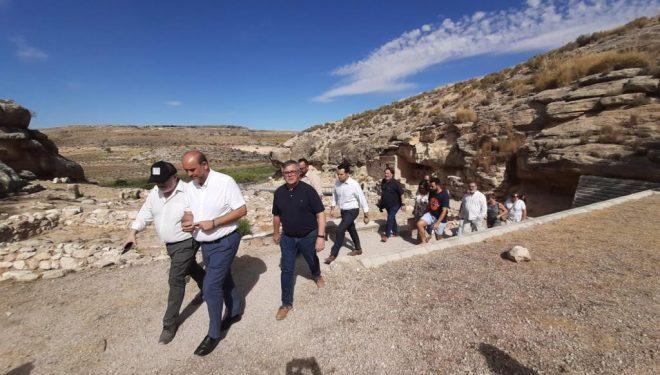Visita del vicepresidente de Castilla-La Mancha al Parque Arqueológico del Tolmo de Minateda