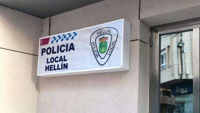 Un detenido por causar, supuestamente, daños en vehículos, y dos personas denunciadas por agresión en la calle Lope de Vega