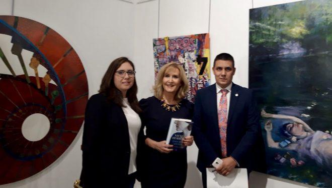 """Nieves Herrero presentó su nuevo libro  """"Esos días azules"""""""