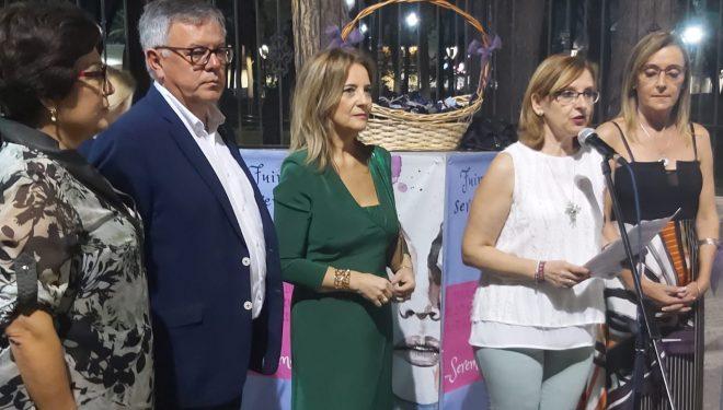 Amparo Torres, elogia la labor de AMEDHE y ofrece la ayuda de la Diputación para encauzar el futuro de las mujeres de Hellín