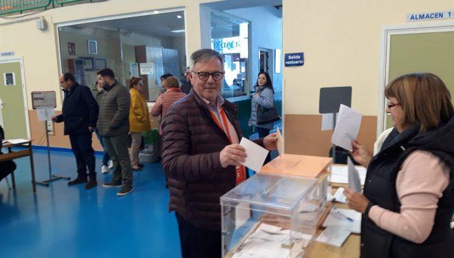 Los portavoces de los Partidos Políticos votaron durante la mañana de hoy