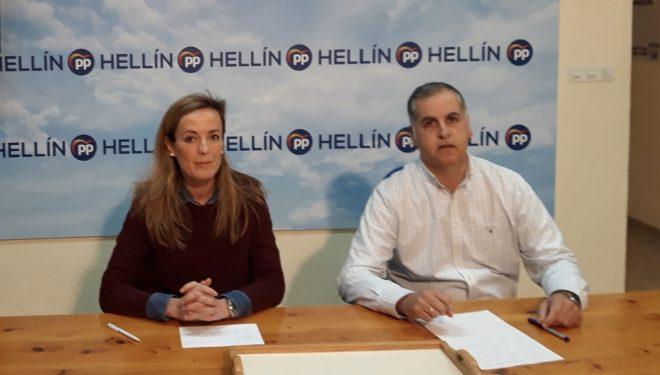 Carmen Navarro pide en Hellín trabajar para recuperar el voto de los más jóvenes