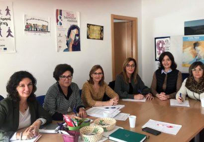 La delegada provincial de Igualdad preside la Comisión Técnica del Centro de la Mujer de Hellín