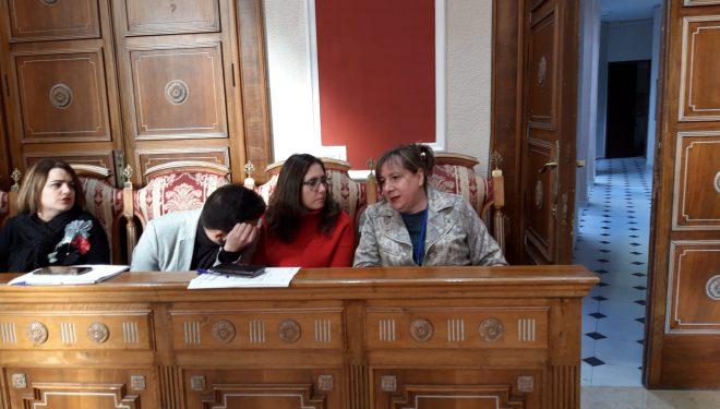 El Ayuntamiento aprueba una importante rebaja de los sueldos de los concejales