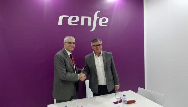 Hellín firma en Fitur un convenio con RENFE para potenciarse como destino turístico