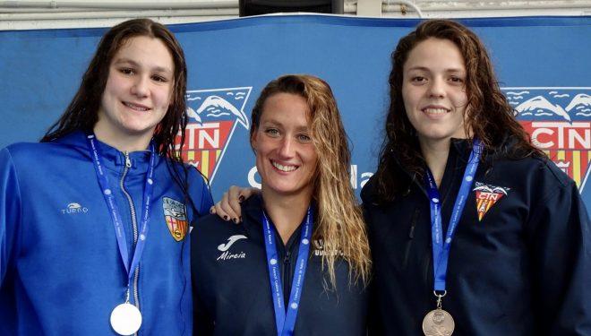 Nerea Ibáñez alcanzó dos medallas de plata y una de bronce en la Copa Catalana de Natación